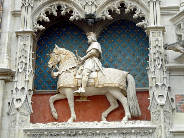 Louis XII by Emile Seure (1857) in Blois France. Not free standing, so not an equestrian statue